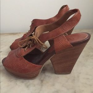 Madewell cutout lace-up Oxford heels